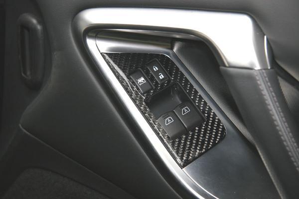 GT-R R35 | インテリアパネル【アールエスダブリュ】R35 ウィンドゥスイッチパネル 左右セット (綾織ブラックカーボン製)デュポンクリアー塗装仕上げ