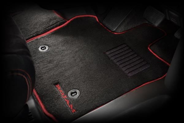200 ハイエース 標準ボディ   フロアマット【ロジャム】ハイエースバン 200系 フロアマット 2列シート1台分セット ブラック/レッド