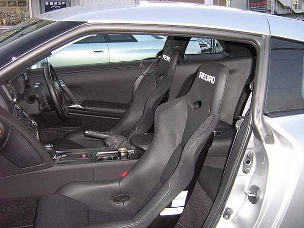 GT-R R35 | シートレール - セミバケ用【フジムラオート】R35 GT-R 銀太 ベースフレーム