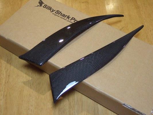 Audi TT 8N | テールガーニッシュ / テールライトカバー【シルキーシャークプロジェクト】アウディ TT 8N テールレンズカバー Type1 ブラックカーボン 綾織り