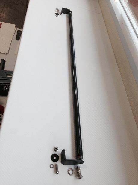 E26 NV350 キャラバン CARAVAN | 内装パーツ / その他【エアーズロックジャパン】NV350キャラバン E26 標準ボディ Rゲートハンガーパイプ