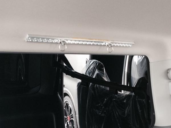 E26 NV350 キャラバン CARAVAN | 内装パーツ / その他【エアーズロックジャパン】NV350キャラバン E26 プレミアムGX専用 マルチフックレール B (リヤサイドガラス上部分)