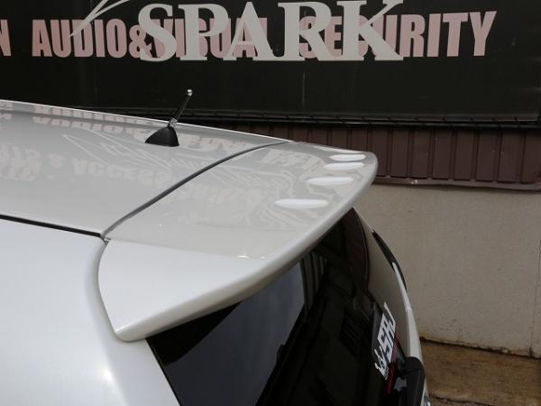 プリウスアルファ   リアウイング / リアスポイラー【シックスセンス】プリウスアルファ ZVW40系 リアウイング ABS製 カーボン調 カラー:シルバーカーボン
