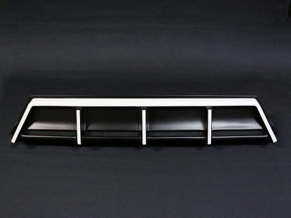 30 ヴェルファイア | リアガーニッシュ / リアグリル【シックスセンス】ヴェルファイア 30系 Z リアンダーガーニッシュ 2色塗り分け塗装済 ブラック 202/艶なしブラック