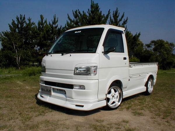 S200/210 ハイゼットトラック | フロントハーフ【ブラックス】ハイゼットS200P 前期 フロントハーフスポイラー
