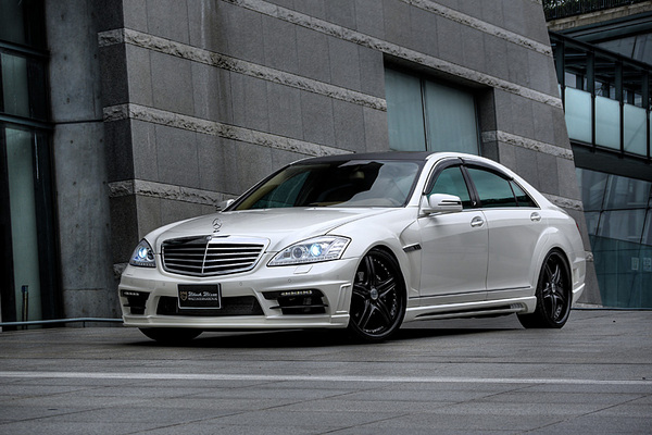 BENZ S W221 | サイドステップ【ヴァルド】【A】BENZ S W221 MC/after SPORTS LINE Black Bison Edition サイドステップ (2010y~) (Short)