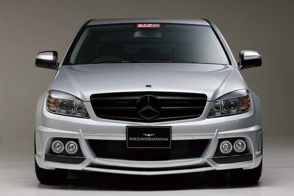 BENZ C W204 | フロントバンパー【ヴァルド】【X】BENZ C W204 (07~11y) Sports Line Black Bison Edition フロントバンパー Ver.LED