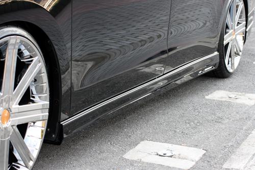 サイドステップ【エクスクルージブ ゼウス】ステップワゴン 【 GRACE LINE 】 サイドステップ 未塗装品 | STEP WGN (RK1.2) G.L.Li 前期 2009/10 - 2012/3