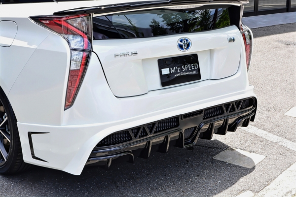 リアバンパーカバー / リアハーフ【エクスクルージブ ゼウス】【 GLMRS LINE 】 リアアンダースポイラー 4WD/Mレス用 2色塗り分け塗装済   プリウス 50系 2015/12 -