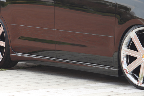サイドステップ【エクスクルージブ ゼウス】セレナ 【 GRACE LINE 】 サイドステップ QX1塗装済 | SERENA (C25) 20S.20G 後期 2007/12 - 2010/10