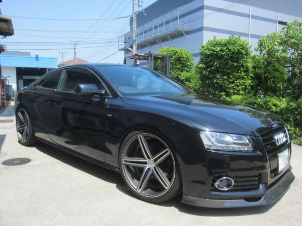 Audi A5   サイドステップ【バランスイット】AUDI A5 SPORTSBACK (2008~) サイドスカート FRP