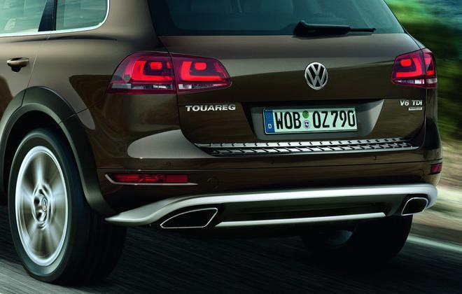Volkswagen / フォルクスワーゲン / VW純正アクセサリーTOUAREGリアゲートエッジプロテクター送料サイズ80