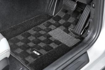 BMW純正アクセサリー1シリーズ(F20)フロア・マット・セットシャギー(ブラック)右ハンドル車用送料160サイズ