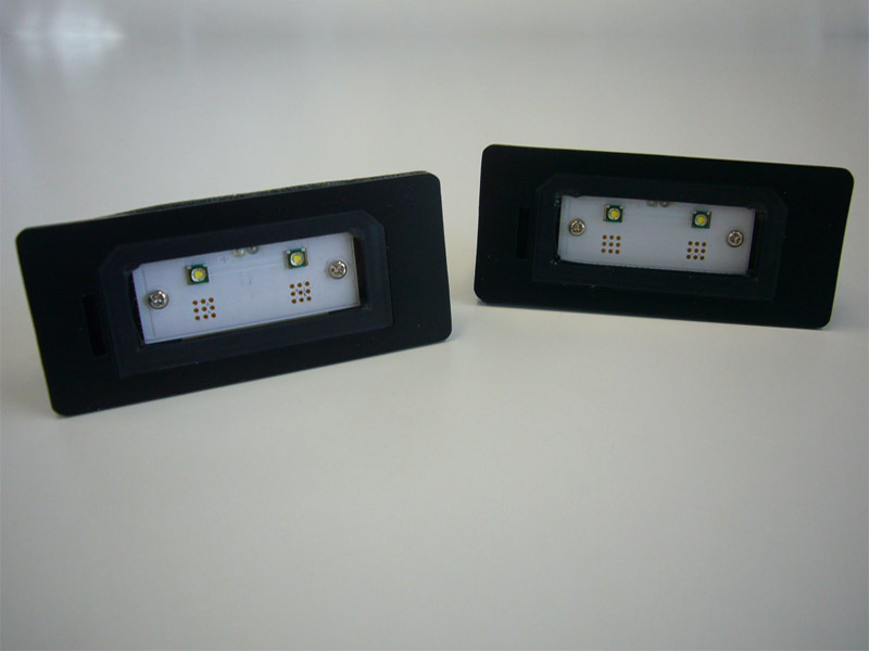 LUXI/ルクシィBMW LEDライセンスプレートライトユニット送料60サイズ