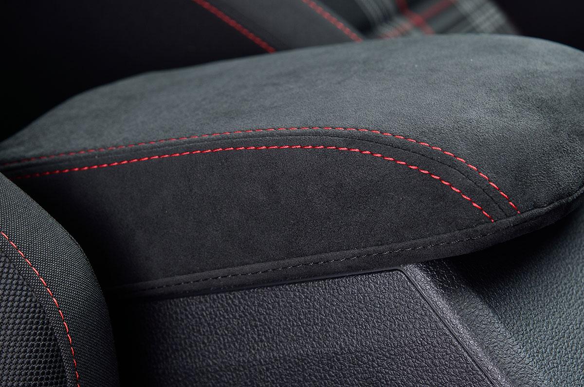 m+/エムプラスAlcantara Armrest Coverアルカンターラアームレストカバーfor VW GOLF7送料100サイズ