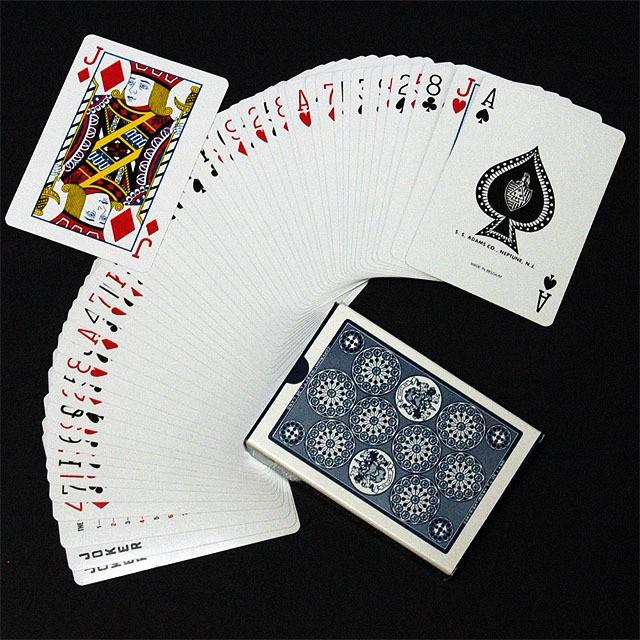 13種類のマジックが楽しめる 激安通販 マジック NEW売り切れる前に☆ 手品 D1115 デランドのマジックトランプ