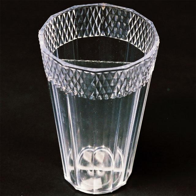 グラスから生きた金魚が出現する マジック 手品 ミラーグラス 開店祝い シールド ラッピング無料 G5230