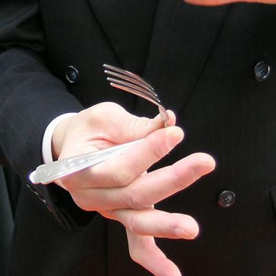 フォークが曲がり 折れる視覚効果バツグンの超能力マジック 手品 EK-01 マジック関連 パワーフォーク 国内在庫 ☆正規品新品未使用品
