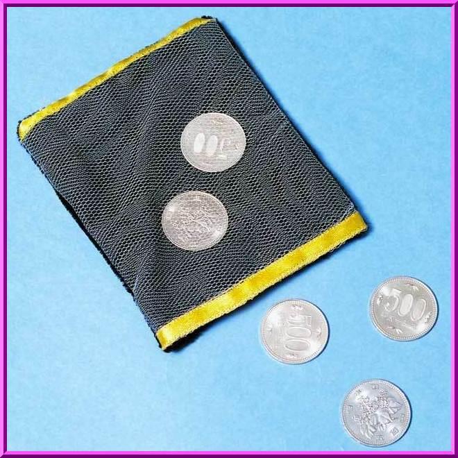 コインは煙のように消えてしまい 次の瞬間コインは突然 40%OFFの激安セール 営業 袋の中に現れます マジック コインバッグ T5510 手品
