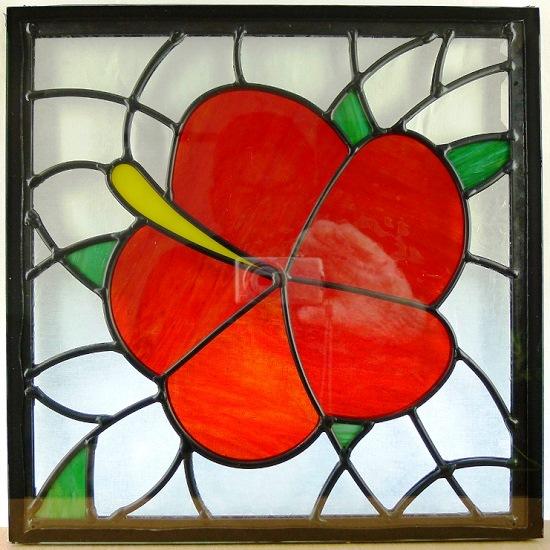 ステンド グラス ステンドグラス ステンドガラス デザインパネル300角sgsq316(取寄品、割引不可、キャンセル返品不可、突然終了あり)