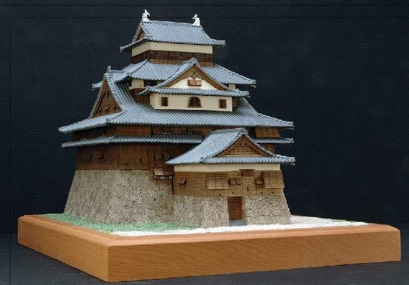 大感謝価格『木製建築模型 1/150 松江城 (w)』送料無料『メーカー直送品。代引・・同梱・返品・キャンセル・割引不可』 松江城(まつえじょう)は、島根県松江市殿町にあった城。