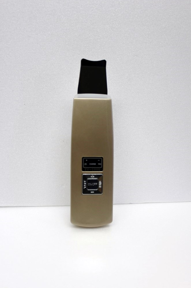 アクアフューチャースキン『アクアフューチャースキン 限定カラーゴールド』送料無料美顔器 超音波美顔器 毛穴 ケア ウォーターピーリングアクアフューチャースキン