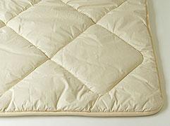 [キャメル敷ふとん]モンゴル産ラクダ毛100%シングル 97x210cm 3.3kg入獣毛は蒸れず湿気ません繊維のゴミを特許装置で取り除いています生地色はアイボリー