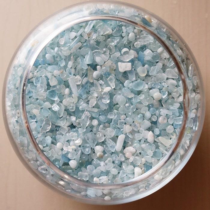 浄化 インテリア オルゴナイト アクアマリン さざれ石 小粒~極小粒 80グラム 3月誕生石 期間限定特価品 新登場 アクアマリンさざれ石 ちょい足し お守り 天然石 プレゼント パワーストーン