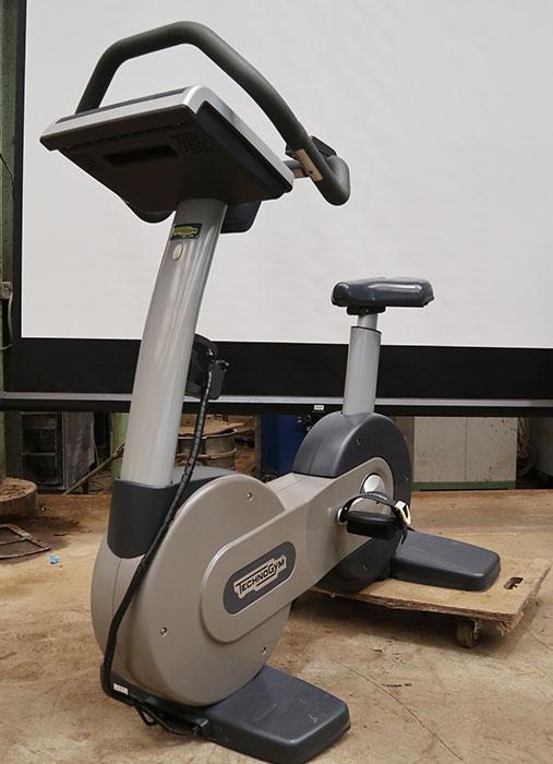 テクノジム エアロバイク エキサイト バイク 700 DAC33Y EXCITE トレーニング フィットネス エクササイズ ジム マシン 【中古】