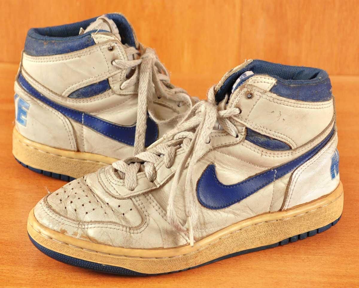 a5d1308015e89 Vintage 1986   NIKE Nike   BIG NIKE big Nike   chicotebasketthews   White x  blue leather   JPN22.0cm equivalent