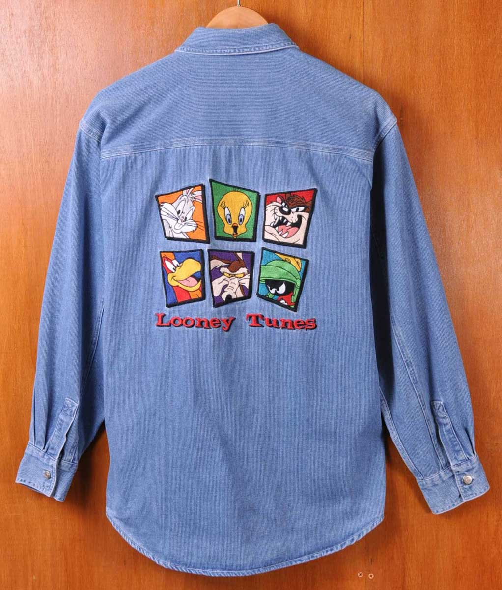bc897a4073b8 Vintage 1996 / Warner Bros. Warner Bros. LOONEY TUNES Looney Tunes and  embroidered denim ...