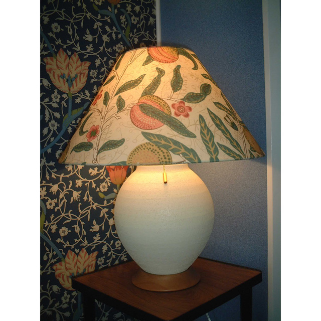 ウィリアム・モリス 照明器具 陶器製スタンド SRM-FB-E フルーツベージュ【 プレゼント ギフト 】【ペンハウス】 (70000)