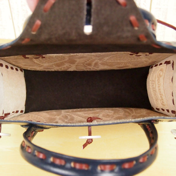 雕刻的部落雕刻部落圣马埃斯特腊 S stetchmaestra S 雕刻袋 S 恩典大陆恩典欧式雕刻驱动器袋包袋雕刻皮革皮革颜色类型新闻回