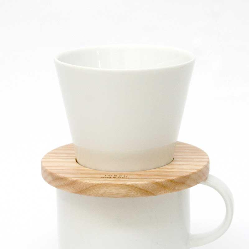 美味しいコーヒーのための ドリッパー リニューアルバージョン Donut Dripper ドーナツドリッパー シロ TORCH ハンドドリップ トーチ 送料0円 coffee コーヒードリッパー 上等 1~3人用 ホワイト 白 しろ