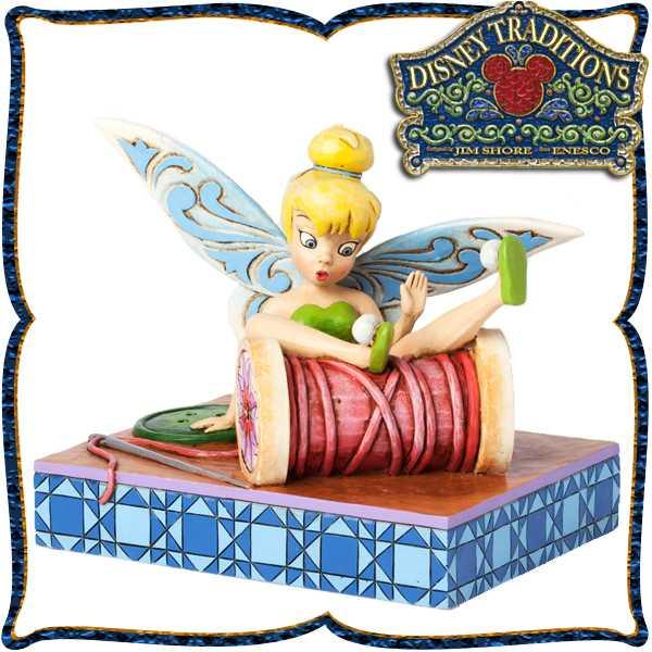 在庫限り:ディズニー 木彫り調フィギュア ティンカーベル (ピーターパン) 「Tink Tumbless Over Spool」 糸巻きに転落したティンク ディズニー・トラディション