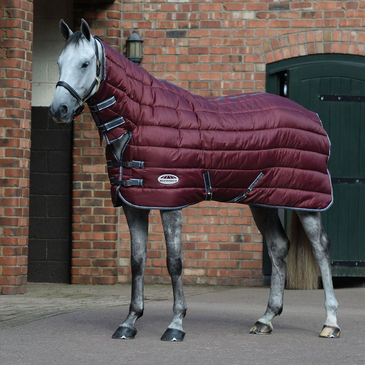 (ウェザビータ) Weatherbeeta 馬用 Comfitec ヘビー 210デニール チャンネルキルト コンボネック ステーブルラグ 馬着 乗馬 ホースライディング 【海外直送】