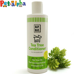被毛や皮膚のうるおいを保つ紅藻エキス 植物性ヒアルロン酸が ナチュラルに毛並みと皮膚のコンディションを整えます 順次内容変更 賜物 ティーツリーコンディショナー250ml 1年保証 APDC