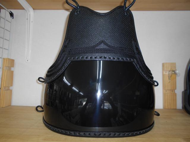 剣道具 単品 胴 黒色 胴 胸黒ベタ飾り 50本型強化樹脂 二本足 堅紐付