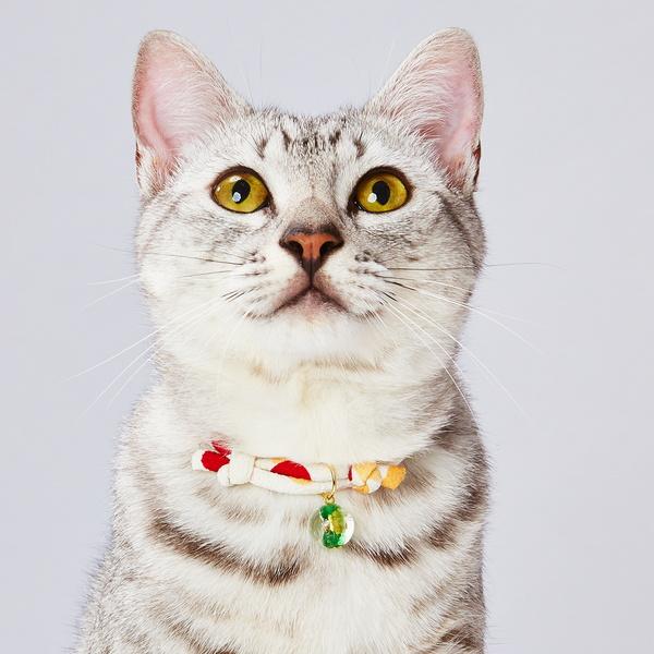アドメイト にゃんごころ トンボ玉首輪 白 ガラス アクセサリー首輪 短毛猫・長毛猫 全猫種用 マグネット式で安心仕様、トンボ玉付首輪 Add.mate