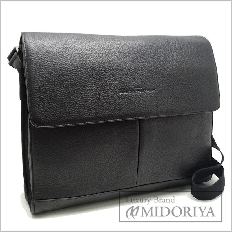 bc7214bef1 Auth SALVATORE FERRAGAMO Shoulder Bag Messenger Leather Black  050020 FREE  SHIP