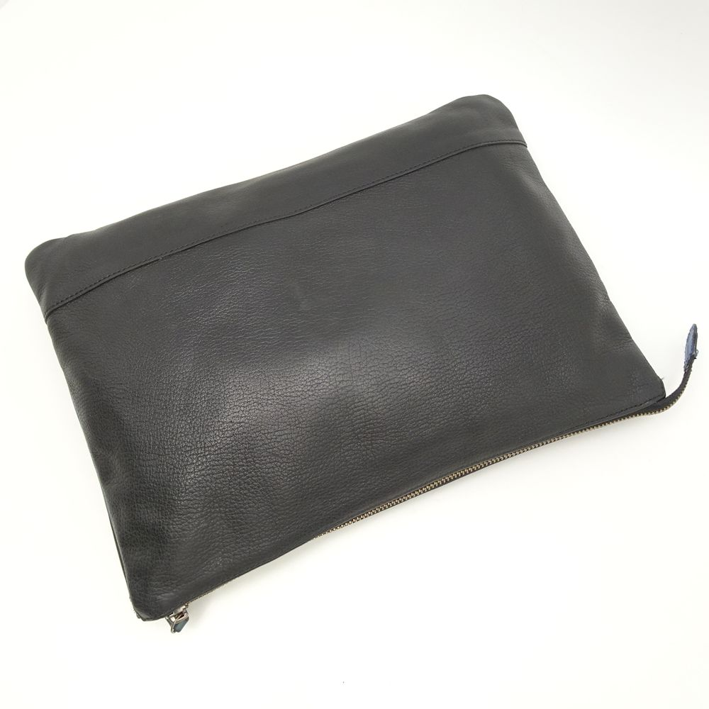 a6d4eb1f84f7 Burberry black label BURBERRY BLACK LABEL clutch bag leather black X blue  black  051842
