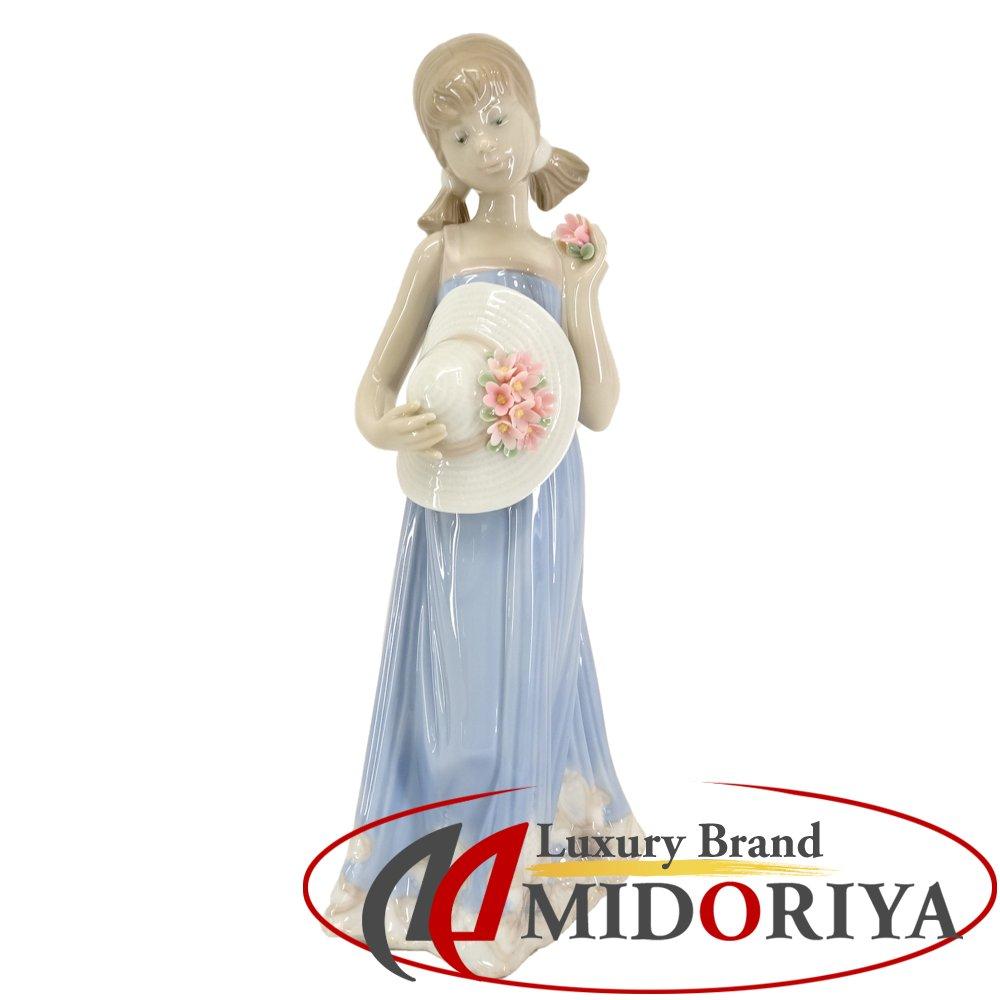 【最大5千円OFFクーポン】リヤドロ LLADRO 5648 少女コートニー 陶器 人形/042184【中古】