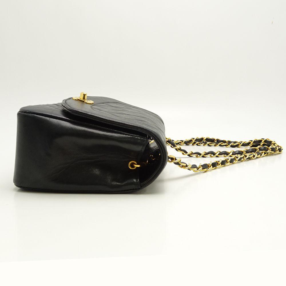 cd7fa3e147c Auth CHANEL Matelasse Chain Shoulder Bag Diana Flap A01164 Lambskin  Black 051885