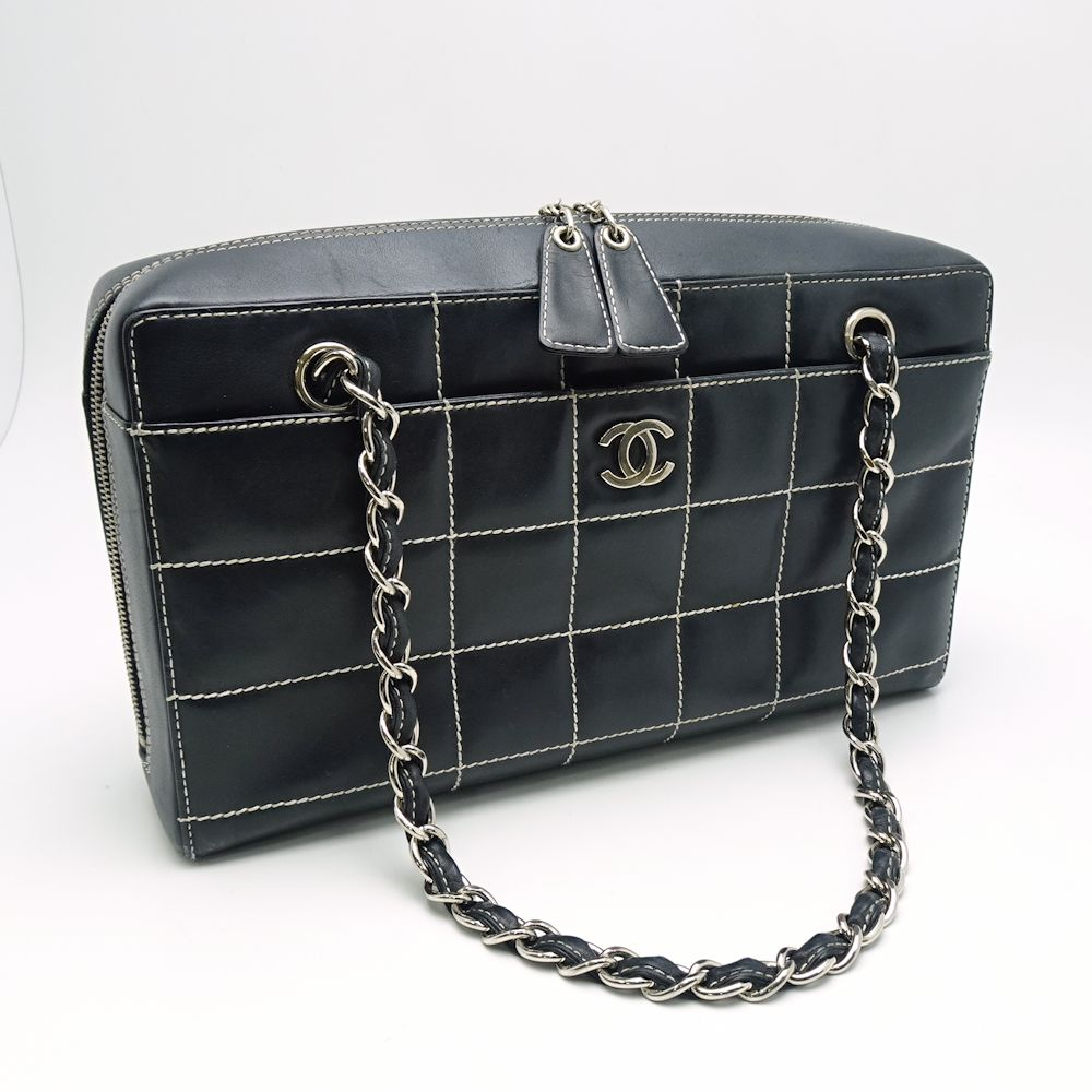 8e0af883be9e Pawn shop MIDORIYA PHASE: Chanel CHANEL chocolate bar chain shoulder ...