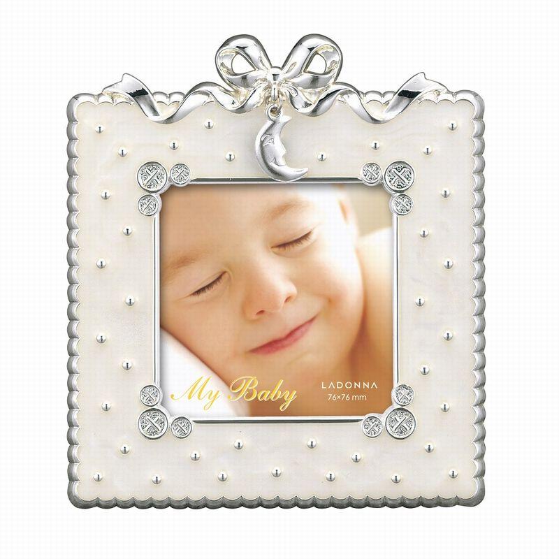 ディテールまでかわいい フォトフレーム ミニサイズ MB31-S2-WH ラドンナ リボン 月 出産祝い 赤ちゃん 子供 誕生日 かわいい 小さい 写真立て LADONNA 白 スクエア 真四角 正方形 卓上 置き型 プレゼント 記念品