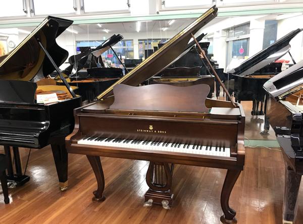 ファッションの SALE M170 STEINWAY&SONS【中古】 スタインウェイ SALE ピアノ M170 #423670【木目ピアノ】, 足寄町:cd45d4ba --- blablagames.net