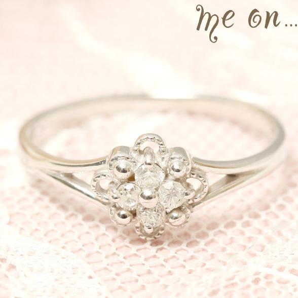 me on... 送料無料4粒のダイヤモンドが眩しいキュートな大人可愛い小花の指環 K18ホワイトゴールドWGフラワーモチーフ ダイヤモンドリング お届けまで2~3週間程度 プレゼント 春夏 大人気