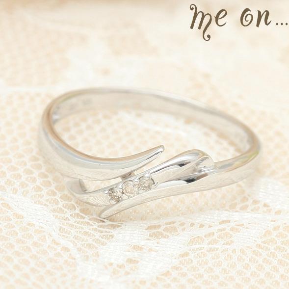 me on... 送料無料アシンメトリーなゆるやかラインが指もとを繊細に飾る K10ホワイトゴールドWGシンプル アシンメトリーデザイン ダイヤモンドリング お届けまで2~3週間程度 プレゼント 春夏