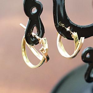 18金ゴールド ピンクゴールド 送料無料お手入れ要らず K18ゴールドとK18ピンクゴールドの2連ツイストフープピアス 『4年保証』 送料無料