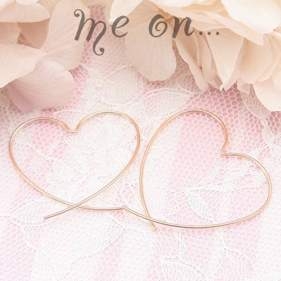 me on... 送料無料官能的なピンクゴールドの曲線◆K10ピンクゴールド[PG]・ビックハートフープピアス